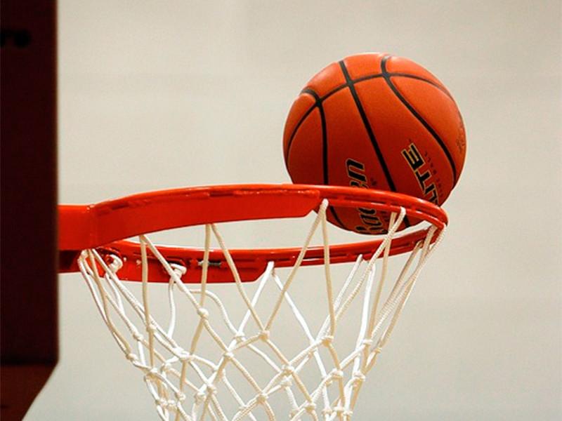 """В Орландо баскетболисты """"Лос-Анджелес Лейкерс"""" со счетом 119:96 обыграли """"Хьюстон Рокетс"""" в пятом матче серии второго раунда плей-офф НБА и впервые с 2010 года вышли в финал Западной конференции"""