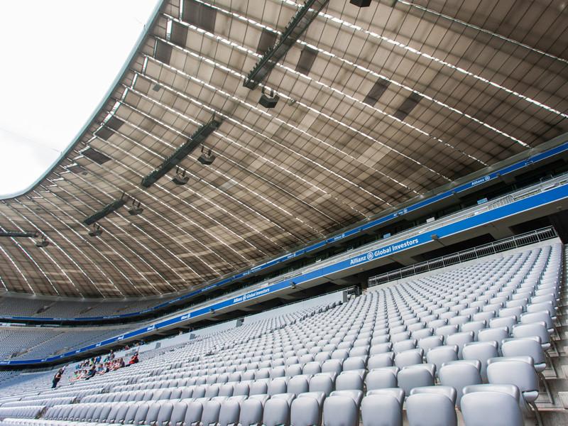 Футбольный сезон в Германии начнется с болельщиками на трибунах