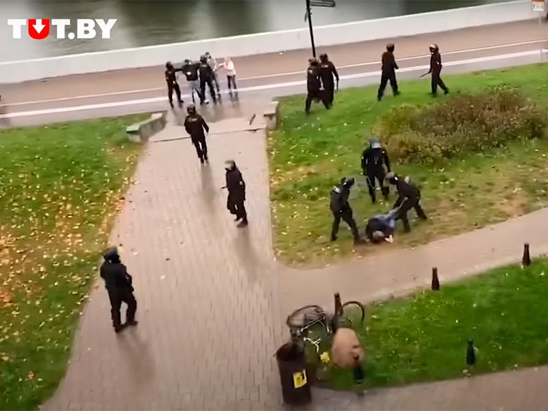 Накануне в Минске во время жестких разгонов демонстрантов был избит и задержан брат четырехкратной олимпийской чемпионки по биатлону Дарьи Домрачевой Никита