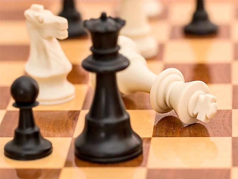 Возобновление турнира претендентов на шахматную корону перенесено на весну