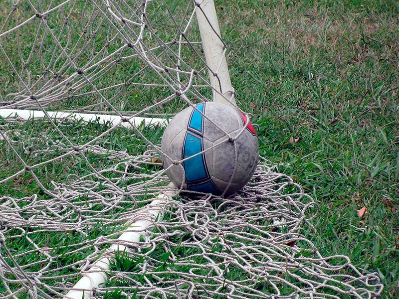 В Уганде футболиста из-за допущенной ошибки до смерти забили товарищи по команде