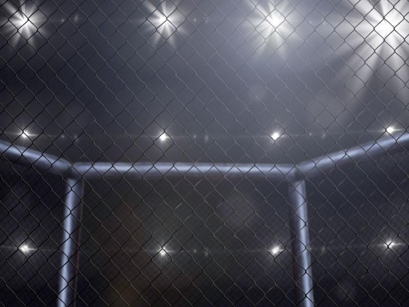На турнире во Владивостоке бойца ММА отправили в стоячий нокаут в стиле зомби