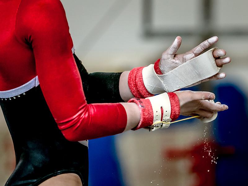 Сборная России по спортивной гимнастике снялась с чемпионата Европы, который был перенесен из азербайджанского Баку в турецкий Мерсин. В числе причин снятия отечественной команды - коронавирус и сложная политическая обстановка