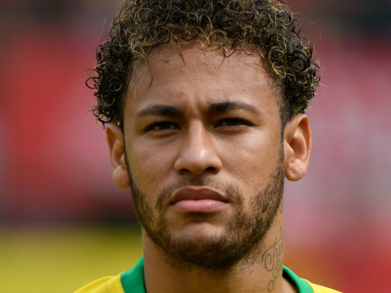 Неймар вышел на второе место в списке лучших бомбардиров сборной Бразилии по футболу