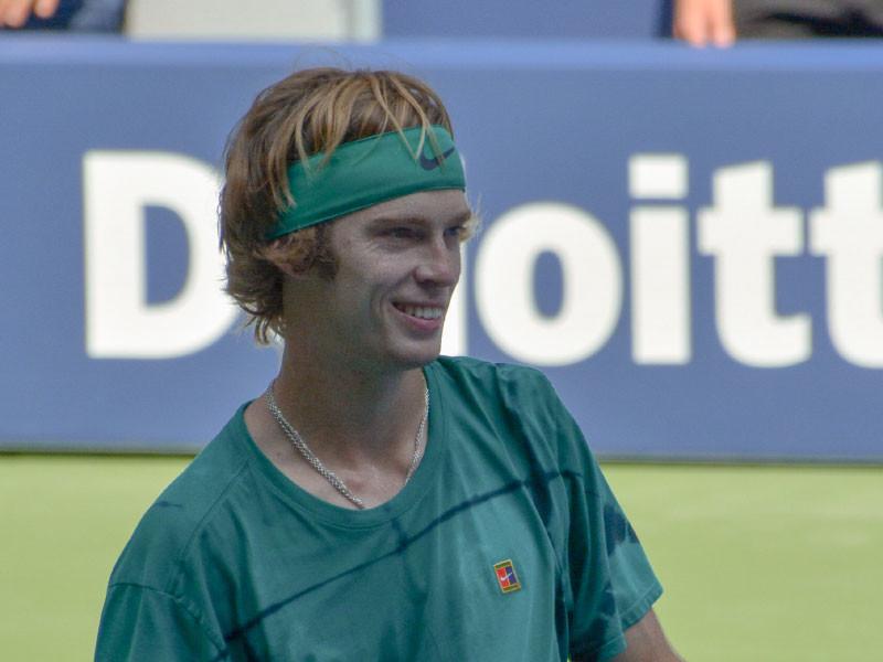 Теннисист Рублев лишился шансов на выход в полуфинал Итогового турнира ATP
