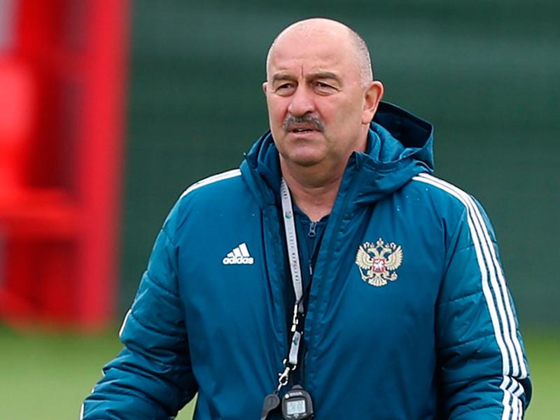 Станислав Черчесов останется главным тренером национальной сборной России по футболу до конца чемпионата Европы, который был перенесен из-за пандемии на лето будущего года