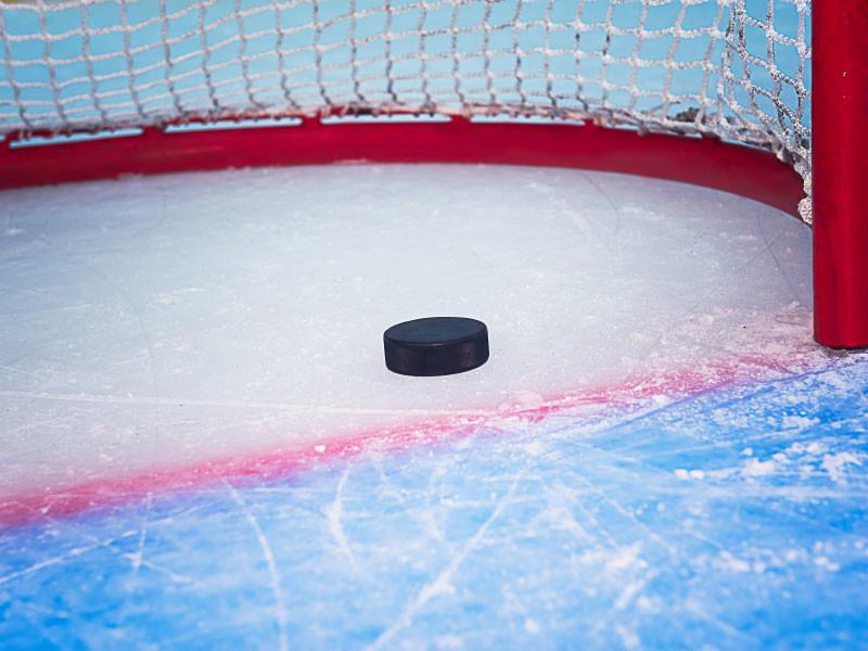 Российские хоккеисты разгромили финнов на старте Евротура молодежным составом