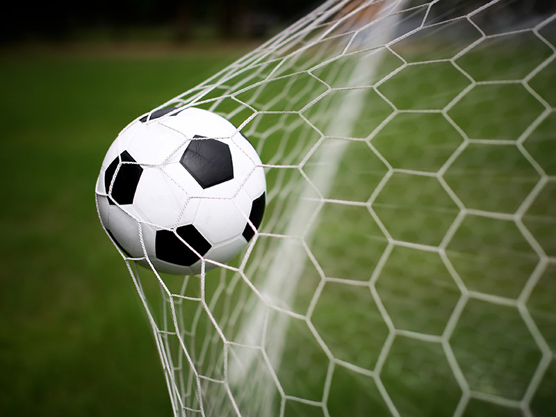 В Лиге наций казахи забили мяч в ворота албанцев прямиком с центра поля