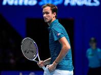 Медведев впервые победил Надаля и вышел в финал Итогового турнира АТР