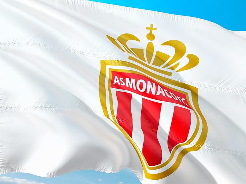 "Футболисты ""Монако"" на своем поле обыграли со счетом 3:2 ""Пари Сен-Жермен"" в матче 11-го тура чемпионата Франции по футболу"