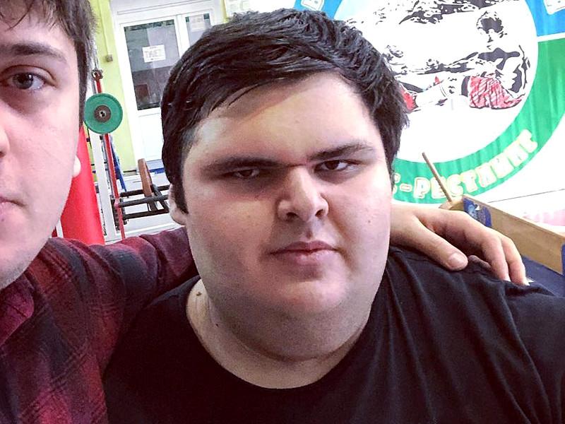 В Кабардино-Балкарии в возрасте 21 года ушел из жизни российский сумоист Джамбулат Хатохов, которого в детстве внесли в Книгу рекордов Гиннеса как самого сильного мальчика в мире