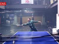 Полицейский из Китая установил рекорд, отбив нунчаками шарики для пинг-понга