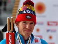 Лыжник Александр Большунов выиграл гонку на 15 км на этапе Кубка мира