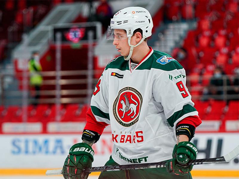 """Нападающий """"Ак Барса"""" забросил одну из самых красивых шайб в истории КХЛ (ВИДЕО)"""