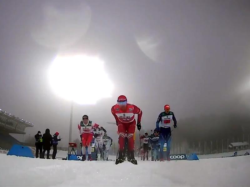 Во время воскресной эстафеты на этапе Кубка мира Большунов отмахнулся палкой от подрезавшего его на финише финского лыжника Йони Маки, а после окончания гонки намеренно врезался в обидчика, сбив его с ног