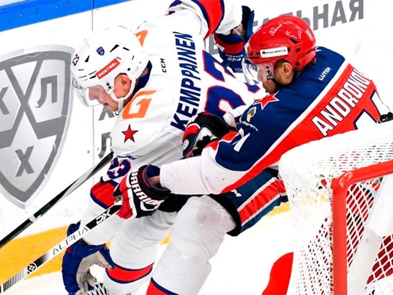 Хоккеисты ЦСКА в матче регулярного чемпионата КХЛ на своем льду со счетом 3:1 победили СКА и упрочили свое лидерство в Западной конференции