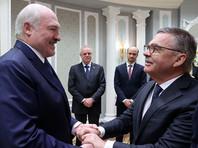 Бессменный президент Белоруссии Александр Лукашенко в ходе личной беседы заверил главу Международной федерации хоккея (IIHF) Рене Фазеля в полной безопасности проведения в Минске чемпионата мира по хоккею 2021 года