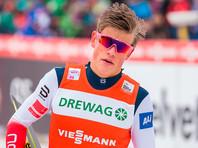 Спринт на этапе Кубка мира выиграл норвежский лыжник Клебо, россиянин Большунов снова упал