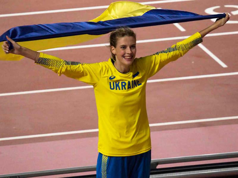 Серебряный призер чемпионата мира 2019 года в прыжках в высоту украинка Ярослава Магучих на зимних соревнованиях в словацкой Банска-Бистрице преодолела планку на высоте 2,06 метра, установив мировой рекорд в помещении среди юниоров