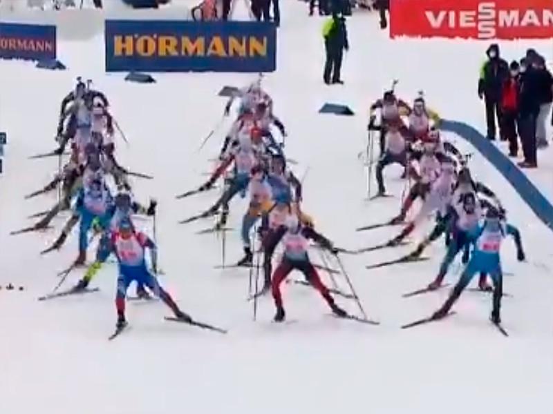Сборная России заняла девятое место в первой гонке стартовавшего в словенской Поклюке чемпионата мира по биатлону - смешанной эстафете