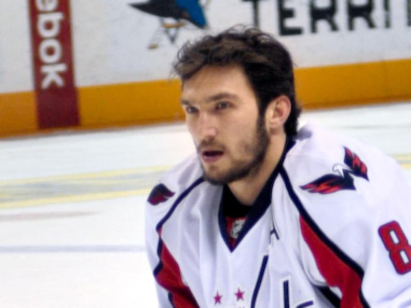Овечкин догнал Фила Эспозито в рейтинге лучших снайперов НХЛ всех времен