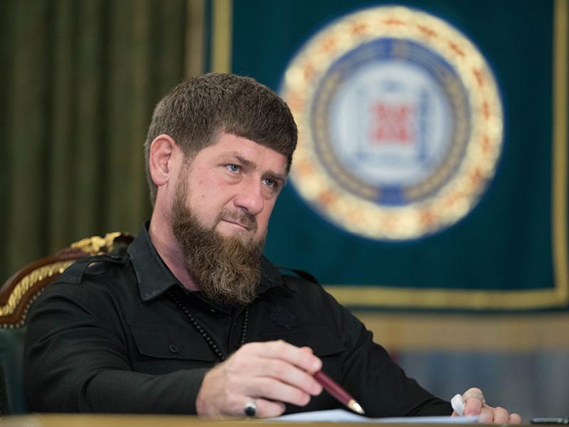 """Кадыров назвал """"черным пиаром"""" скандал вокруг боксерской победы своего сына"""