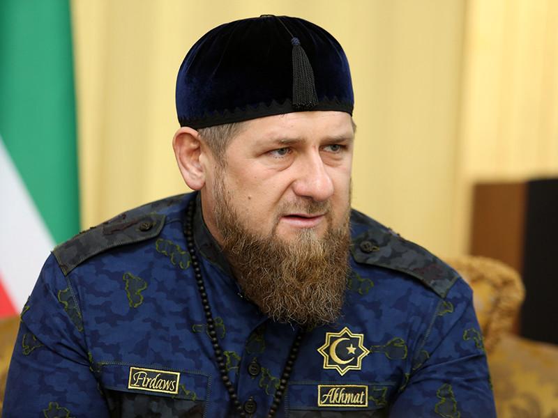 Сыну главы Чеченской Республики Рамзана Кадырова, 13-летнему Адаму, присудили победу техническим нокаутом на международном турнире по боксу после того, как соперник начал его бить