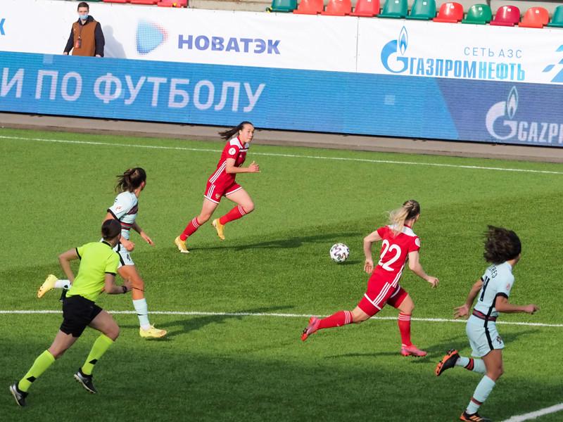 Путевку в Англию подопечные Юрия Красножана добыли в стыковых матчах с командой Португалии. Первый матч команд в Лиссабоне завершился со счетом 1:0 в пользу сборной России, а в ответной встрече, прошедшей во вторник в Москве, был зафиксирован счет 0:0