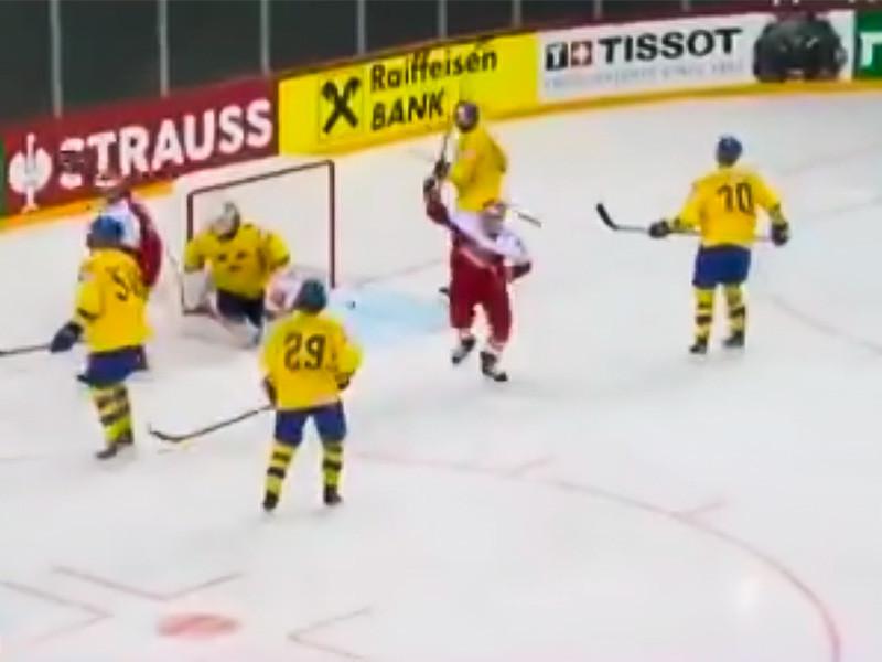 Сборная Дании со счетом 4:3 обыграла команду Швеции в матче предварительного этапа чемпионата мира по хоккею в Риге
