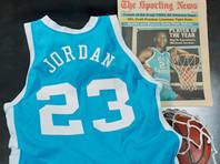 Игровая форма баскетболиста Майкла Джордана, в которой он выступал в сезоне-1982/83 Национальной ассоциации студенческого спорта (NCAA), продана за 1,38 млн долларов