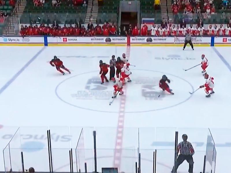 Хоккеисты сборной России уступили команде Канады в финальном матче чемпионата мира для игроков не старше 18 лет, проходившего в американских городах Фриско и Плейно