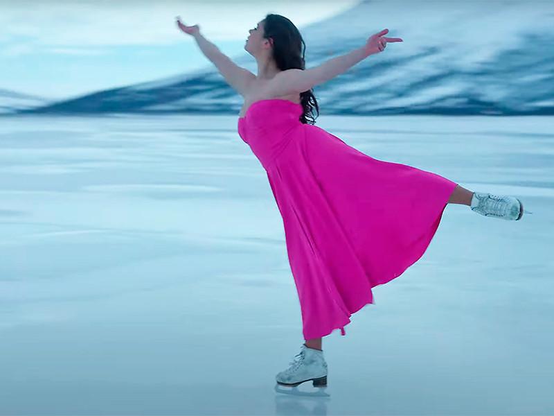 Бывшая фигуристка Елена Ильиных украсила собой новый клип певицы Sia