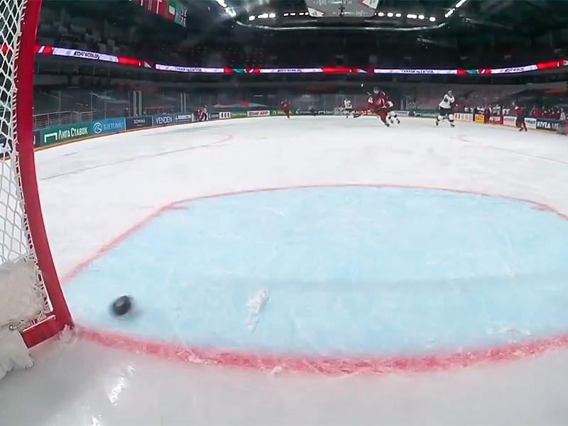 Канадские хоккеисты со счетом 0:2 проиграли сборной Латвии в первом матче предварительного этапа чемпионата мира, который стартовал накануне в Риге