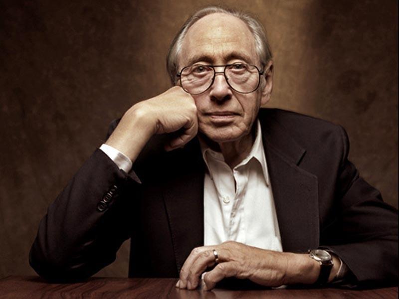 """В США в возрасте 87 лет скончался американский философ, социолог, один из самых известных футурологов мира, автор книги """"Шок будущего"""" Элвин Тоффлер"""