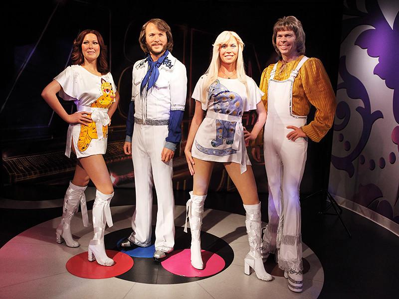 Участники легендарной шведской группы ABBA удивили своих поклонников и впервые с 1982 года выступили вместе