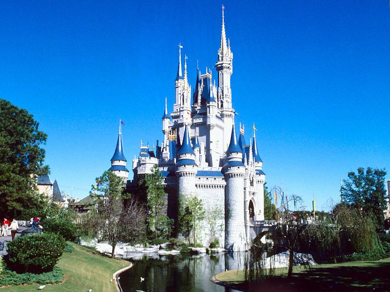 Компания Walt Disney пожертвует один миллион долларов фонду OneOrlando, созданному мэром города Орландо (штат Флорида, США) Бадди Дайером для помощи пострадавшим в ходе теракта в местном гей-клубе 12 июня