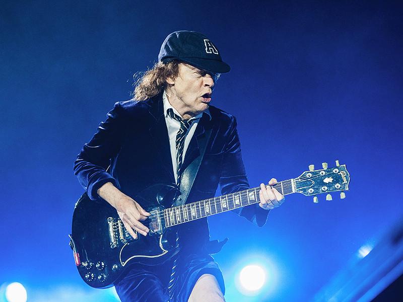 Один из основателей всемирно известной австралийской рок-группы AC/DC Ангус Янг намекнул, что, возможно, в ближайшем будущем коллектив распадется и проходящее в настоящее время мировое турне станет для музыкантом последним