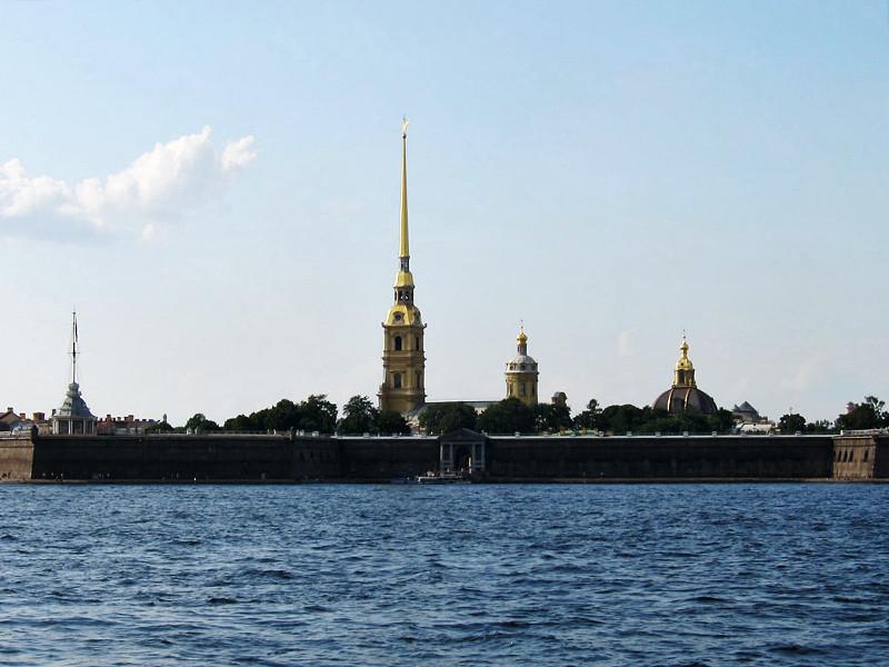 В Санкт-Петербурге неизвестные повторили художественную акцию 40-летней давности