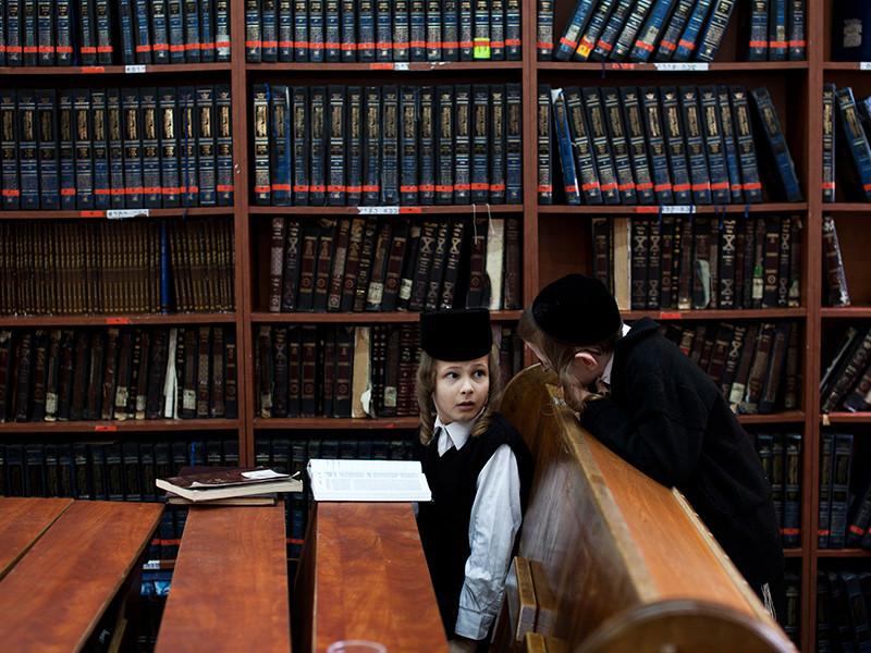 Согласно вердикту, рукописи и прочие документы должны быть переданы Национальной библиотеке в Иерусалиме