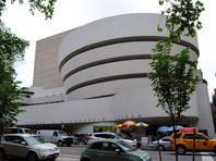 В Музее Гуггенхайма в Нью-Йорке  появился  унитаз из 18-каратного золота