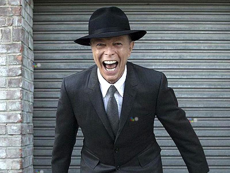 Обнаружена последняя песня Дэвида Боуи, записанная им перед смертью