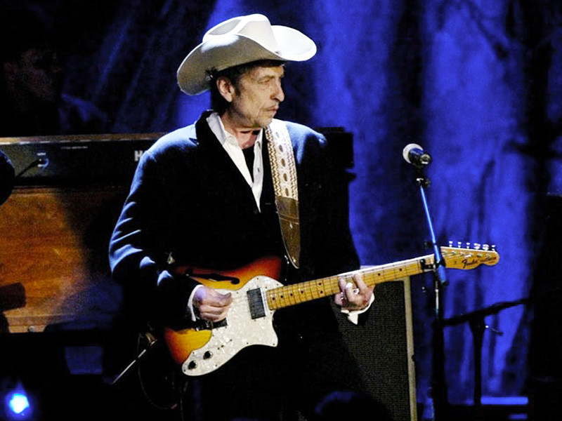 Боб Дилан не упомянул о Нобелевской премии на первом концерте после объявления о награде