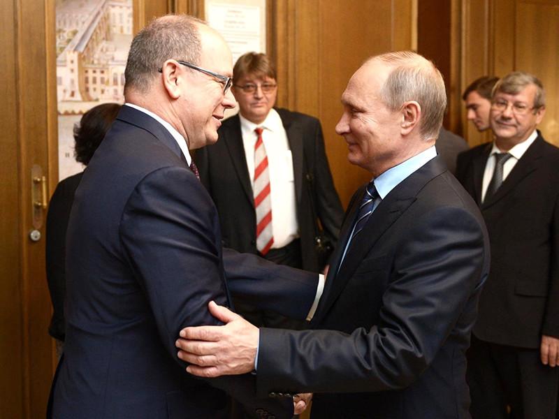Президент РФ Владимир Путин встретился с князем Монако Альбером II, который прибыл в российскую столицу, чтобы принять участие в Днях Монако