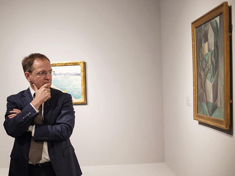 """В Париже накануне открылась выставка """"Шедевры нового искусства. Собрание Щукина"""". В экспозиции представлены 158 картин, в том числе - 22 полотна Анри Матисса, 29 работ Пабло Пикассо, 12 шедевров Поля Гогена, по восемь - Поля Сезанна и Клода Моне"""