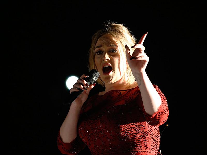 Популярная британская исполнительница Адель, которая с 28 февраля 2017 года начинает большой концертный тур по Австралии (намечены семь концертов в пяти городах), рискует стать частью международного скандала из-за действий перекупщиков билетов