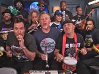 Metallica сыграли свой хит про бабайку на игрушечных инструментах (ВИДЕО)