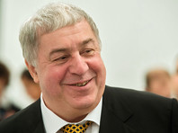 Поэт-песенник Михаил Гуцериев получает в год 2 млн руб. авторских отчислений за свои стихи, а также клипы и фонограммы