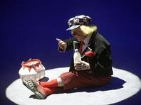 Попову приписывают создание образа солнечного клоуна - веселого паренька с копной соломенных волос и в большой клетчатой кепке