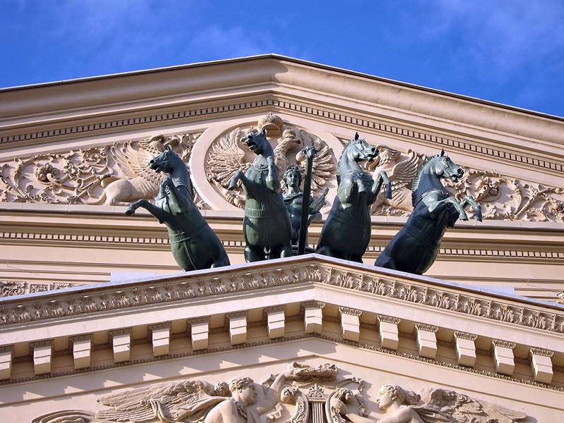 Обязательное включение в репертуар пьес о современной жизни в России, возможно, будет добавлено в государственное задание бюджетным театрам, которые получают субсидии от государства и взамен обязаны выполнять поставленные перед ними задачи
