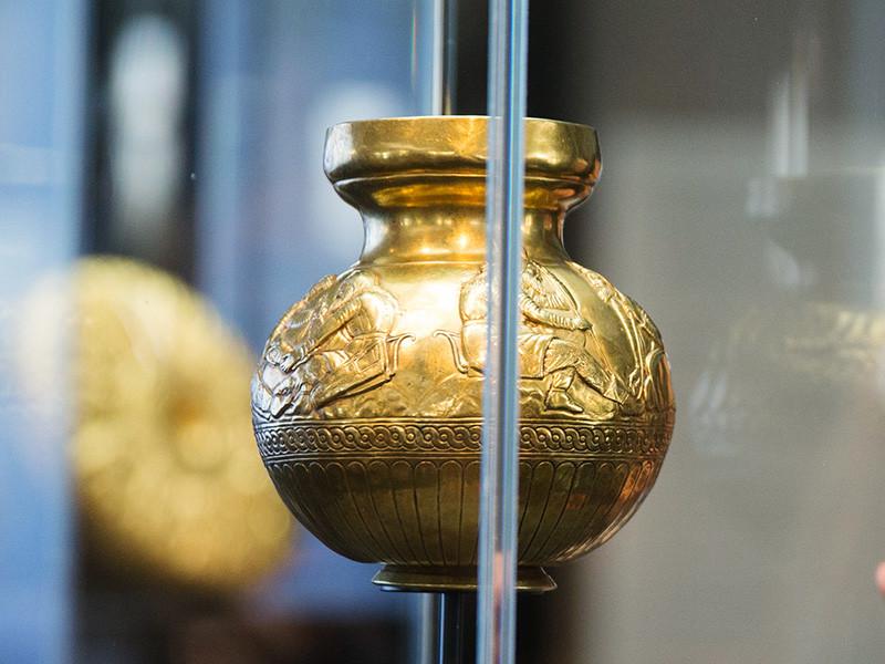 Коллекцию скифского золота из крымских музеев, признанную собственностью Украины по решению окружного суда Амстердама, выставят в историческом музее в Киеве после ее передачи украинским властям
